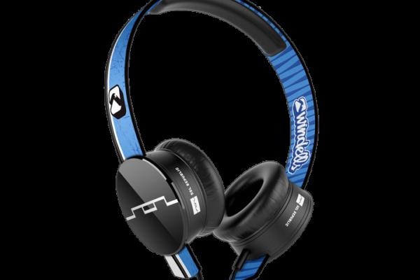 Windells-Academy_V8-Headphones_rendering